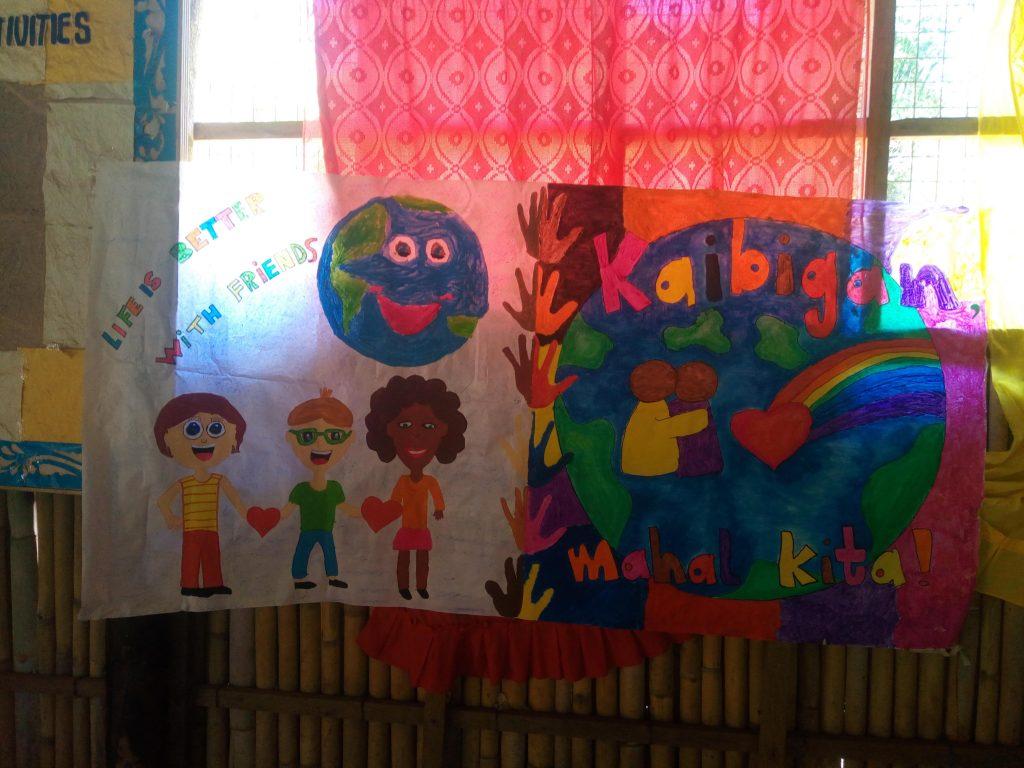 cartel hecho por niños comunidad indígena