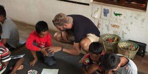 En la escuela de la ONG Nepal Sonríe