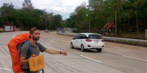 yo viajando en autostop